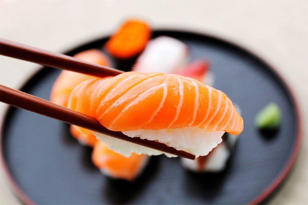 sushi-e-vinho-branco.jpg