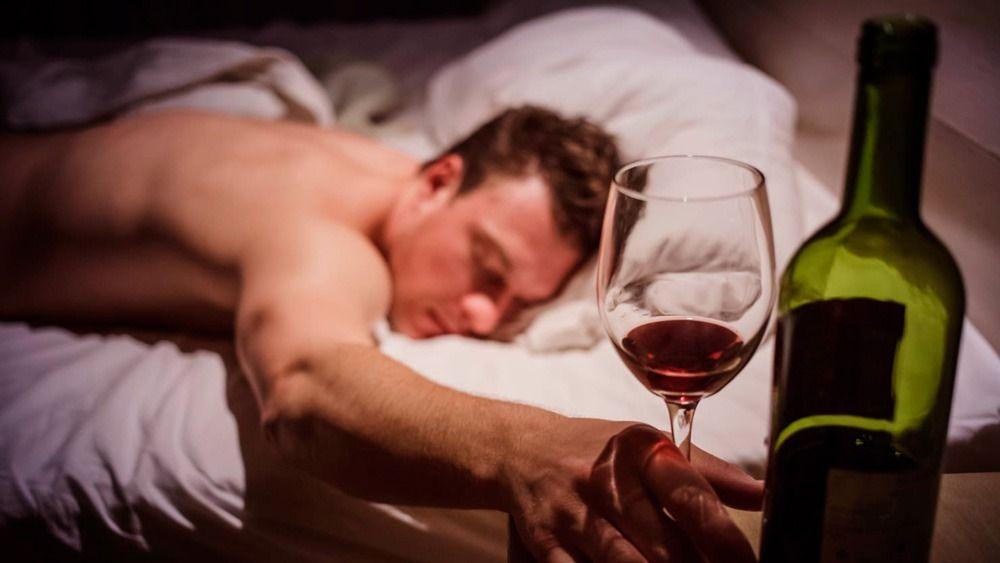 FALSO: Uma taça de vinho por dia não emagrece!