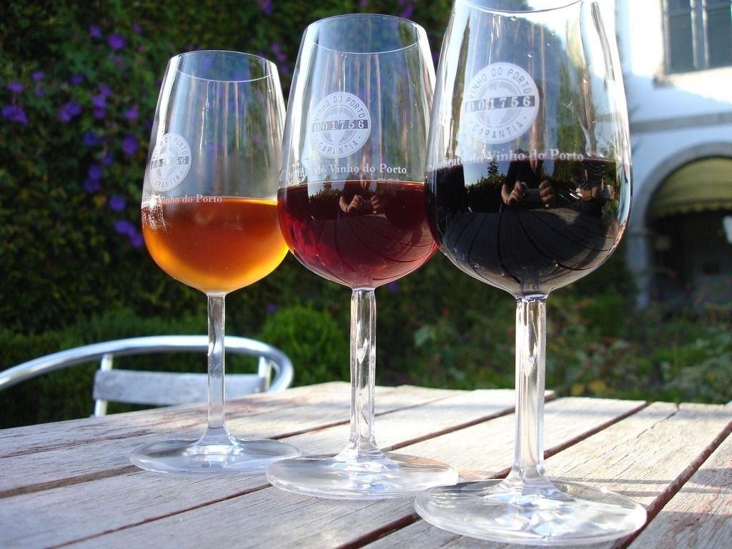 vinhos-do-portoda-esquerda-para-a-direita-branco-tawny-e-ruby-1425094033133_1024x768.jpg